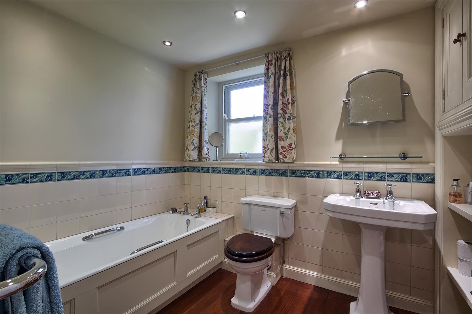 5 bedroom detached house For Sale in Bolton - bath-x2.jpg.